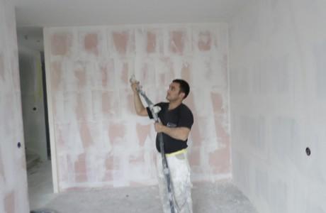 Spackspuitwerk is een wand en/of plafondafwerking die veelvuldig wordt toegepast op plafonds en boven tegelwerk op wanden.